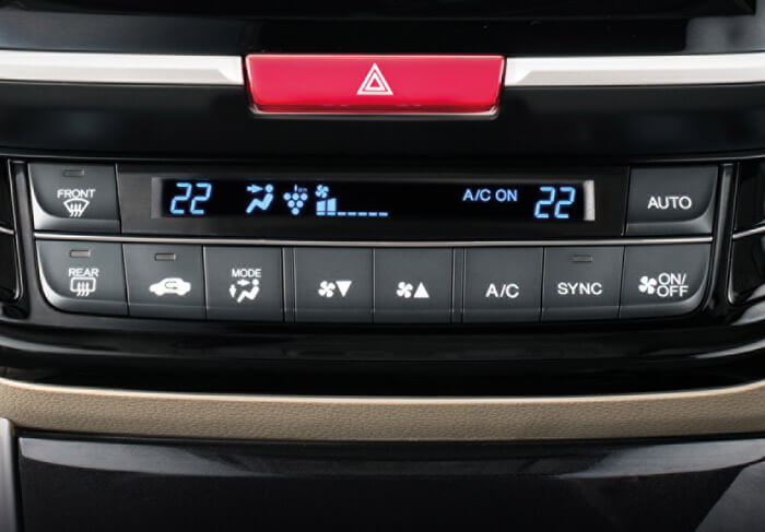 I-DUAL ZONE AUTOMATIC CLIMATE CONTROL WITH PLASMA CLUSTER